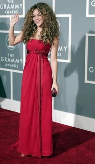 Shakira alfombra roja Grammys